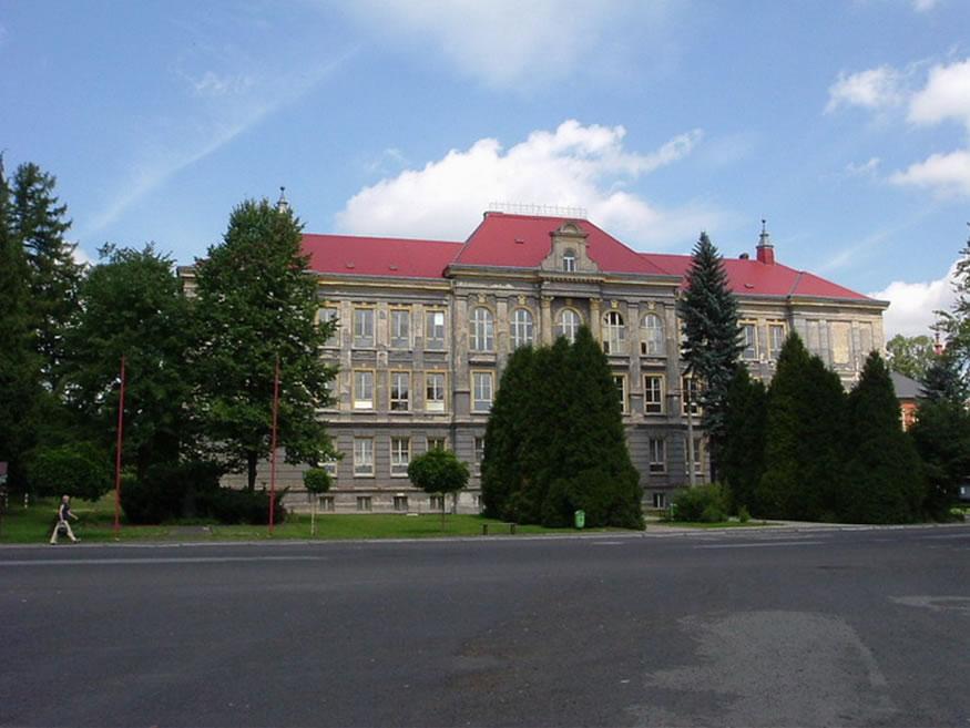 Z historie základní školy ve Velkém Šenově